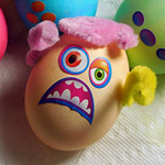 Paas Mini-Monsters Easter Egg Kit!